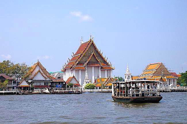 Ferry crossing the Chao Phraya River in Bangkok
